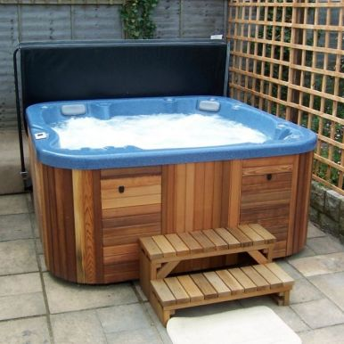 canadian spa cover lifter hot tub covers. Black Bedroom Furniture Sets. Home Design Ideas
